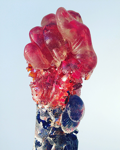 Rachel Owens, Ginny's Fist, broken glass and resin, 2015.